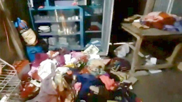পটুয়াখালীতে অস্ত্র ঠেকিয়ে নারী ইউপি সদস্যের বাড়িতে 'ডাকাতি'
