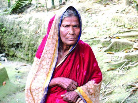 ভোলায় ইউপি মেম্বার নেয় নাম ,ভাতা পায় না সমতা বিবি