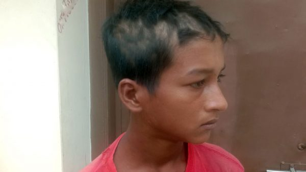 পটুয়াখালীতে চুরির অপবাদ দিয়ে শিশুর চুল কেটে গাছে বেঁধে নির্যাতন