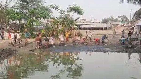 কলাপাড়ায় ছোট ভাইয়ের বসতভিটা দখলে বড় ভাইয়ের দলবল নিয়ে হামলা