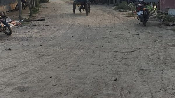 কলাপাড়ায় রাস্তার বেহাল অবস্থা, তিন ইউনিয়নের মানুষ জনদুর্ভোগে