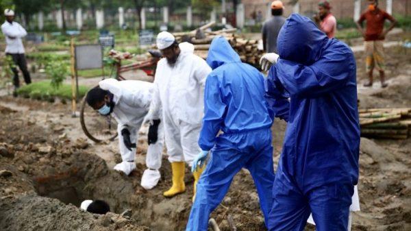 করোনায় গত চব্বিশ ঘণ্টায় দেশে আরও ৩৬ মৃত্যু