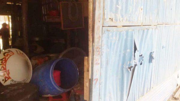 আমতলীতে চাঁদার দাবিতে ব্যবসা প্রতিষ্ঠানে হামলা, আহত ৫