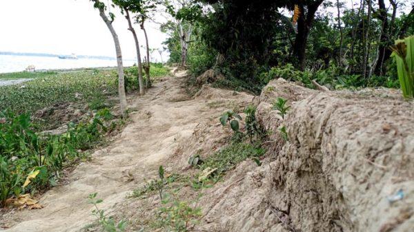 পিরোজপুরে ভিত্তি প্রস্তরের ৪ বছরেও শুরু হয়নি বেড়িবাঁধ নির্মাণ