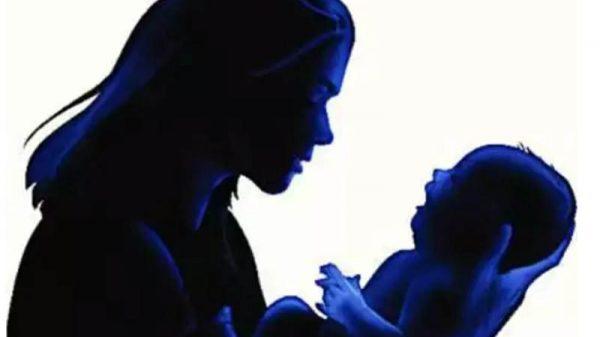 সন্তান জন্ম দিয়েই 'তালাক' শুনল কিশোরী!